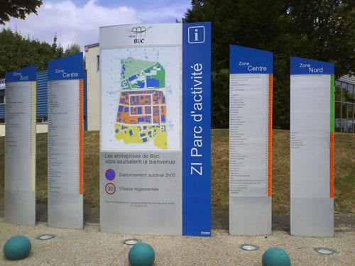 Panneau de signalétiqued'une zone industrielle et parc d'activités